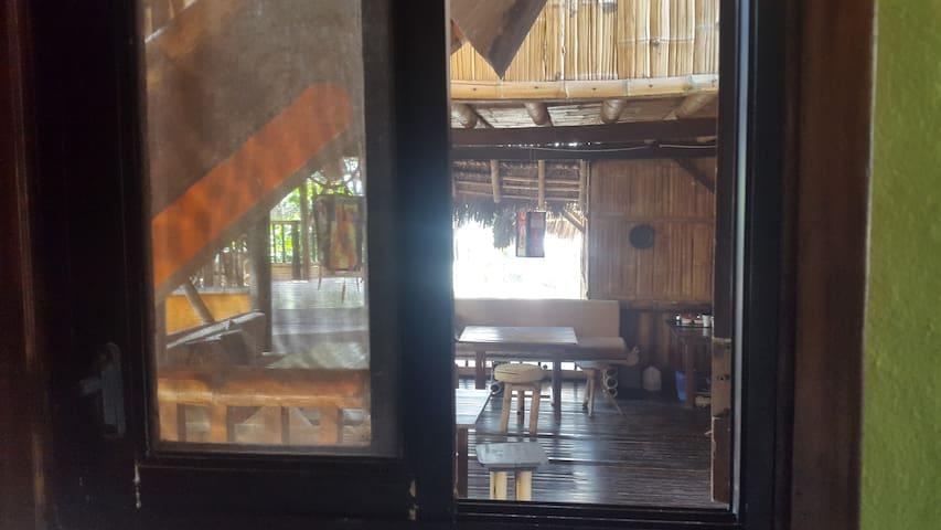 Double Room shared bath at La Facha - Mompiche - Hostel