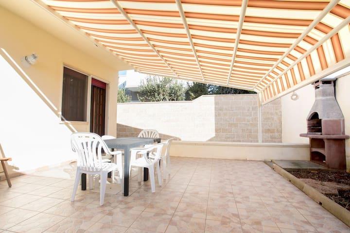 Villa Ilaria   spacious, garden, wifi, bbq, a/c
