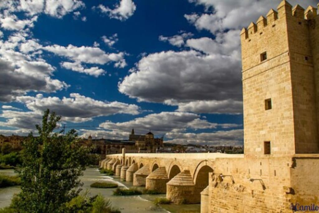 Casa junto a puente romano casas en alquiler en c rdoba - Inmobiliarias en cordoba espana ...
