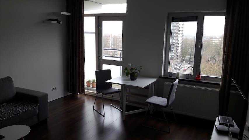 Beautiful and quiet apartment in Amstelveen - Amstelveen - Daire