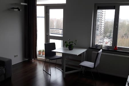 Beautiful and quiet apartment in Amstelveen - Amstelveen - Huoneisto