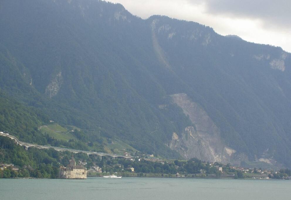 un dernier regard au lac et aux montagnes...