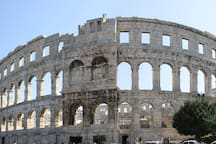 Arena (amphitheatre) - 300 m