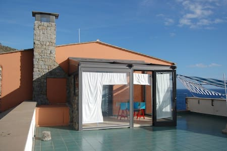 Small beach house near 5 Terre - Bonassola