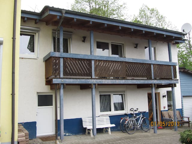 50qm-Apartment am Wald nahe KIT - Stutensee - Huis