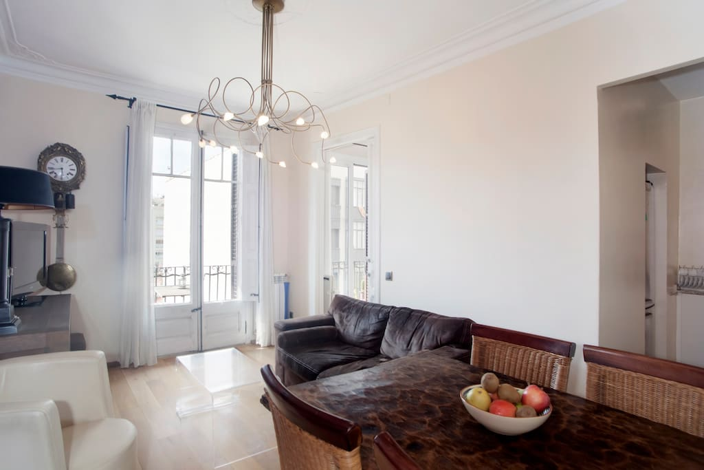 Low priced super reviewed apartment appartamenti in for Appartamenti barcellona low cost