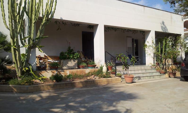 Villa sul mare con ampia pineta - Sciacca - House