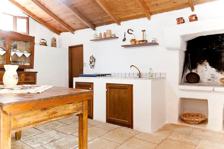 CottageLOWCOST Casarano 15m seaside - Casarano - Cabaña