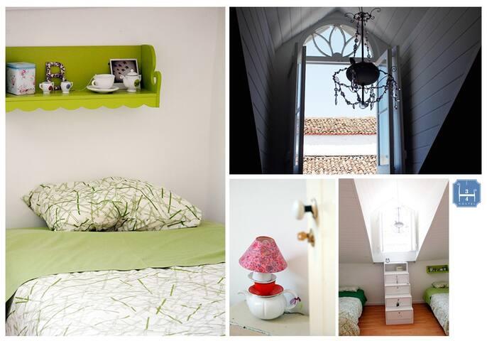 3/4 Hostel - PDL (Chá Verde room) - Ponta Delgada - Bed & Breakfast