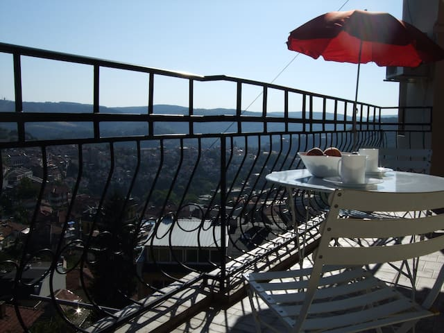 best views Veliko Tarnovo, sleeps 6 - Veliko Tarnovo - อพาร์ทเมนท์