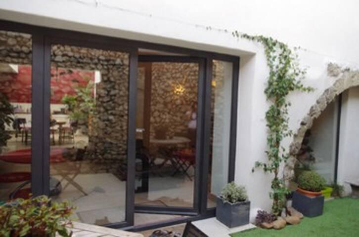 maison atypique Noves 140 m2 - Noves - Huis