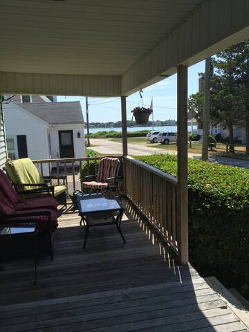 Authentic cape cod cottage with waterview - Falmouth - Bed & Breakfast