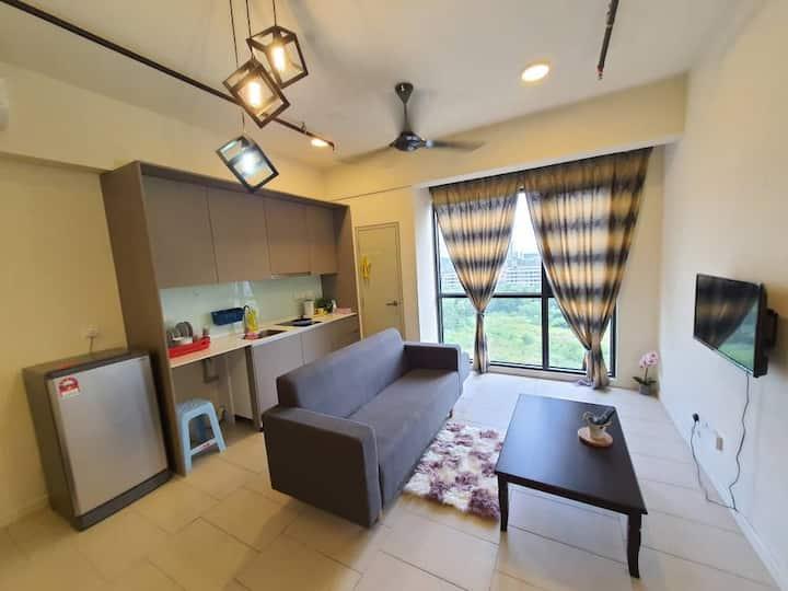 Tamarind Suites Deluxe 2 @ Cyberjaya by TRS