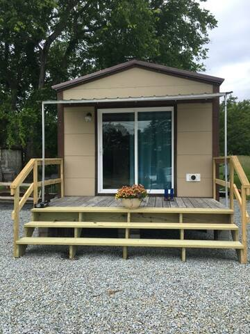 Tiny House with Tennessee River Views
