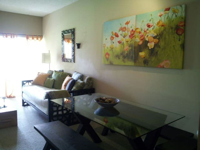 Cozy Condo Heart of Wellington - Wellington - Byt