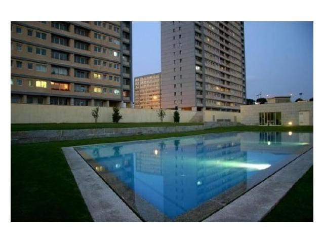 Apartment with pool, gym and tennis