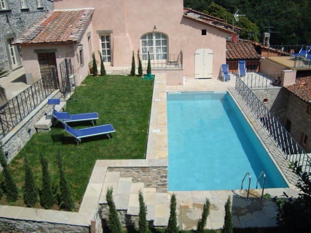 Villa in Northern TUSCANY near Luca - Pescaglia  - บ้าน