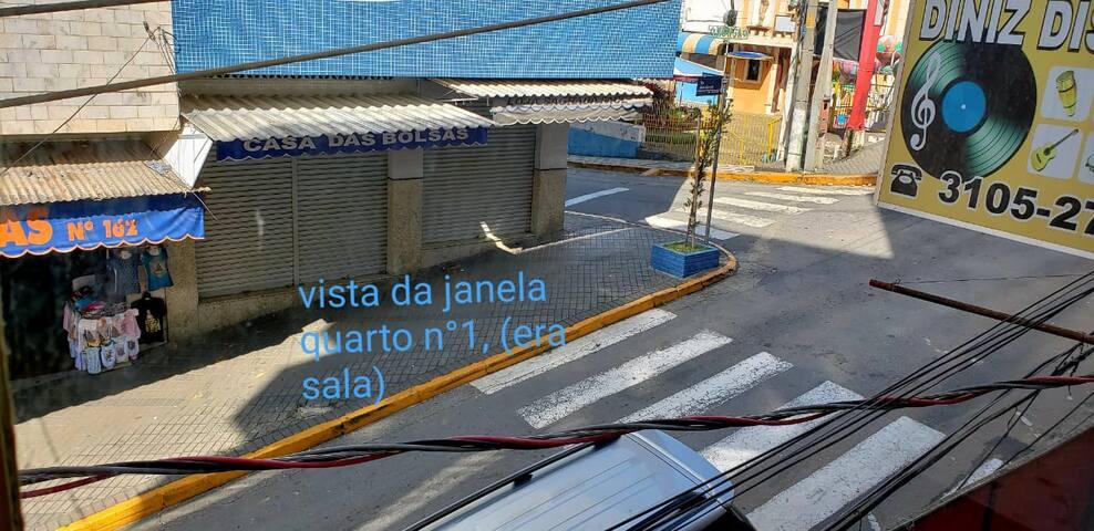 JANELA PRA RUA DO QUARTO 01,