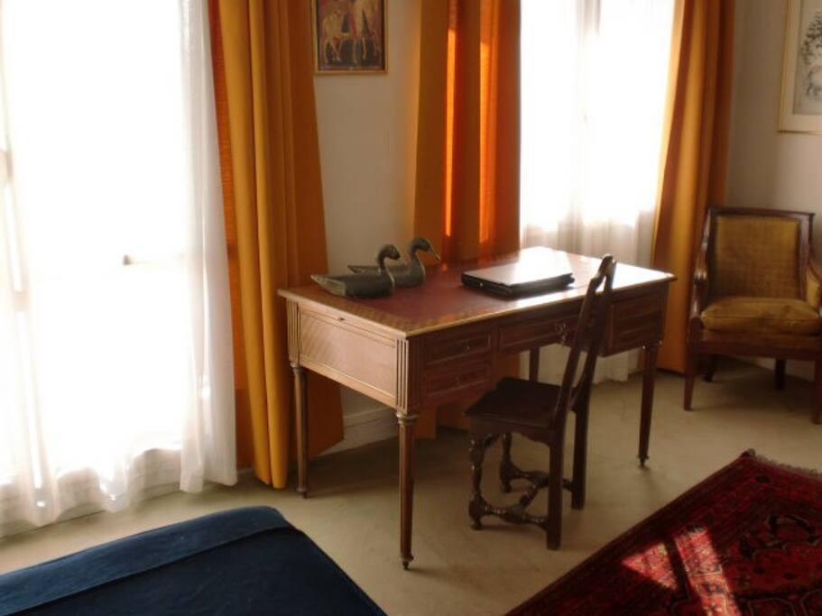 Chambre , bureau