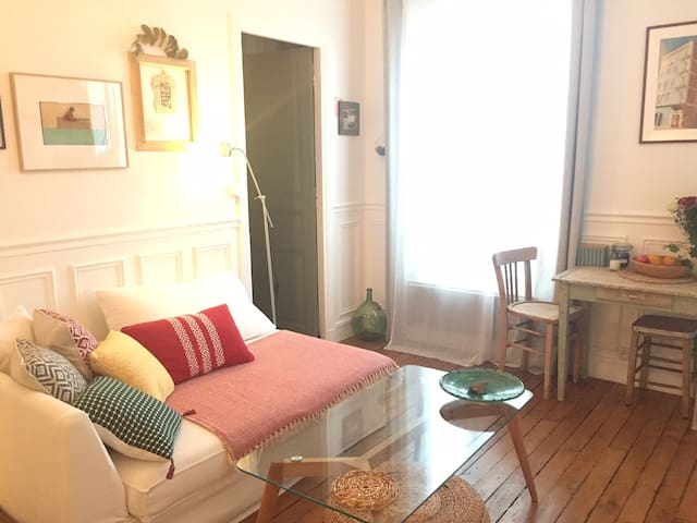 Nice and cosy flat nearby Canal Saint Martin
