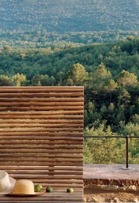 La Barre des Fées c'est plus qu'un domaine, c'est une histoire de passions Suivez ce lien : https://www.youtube.com/watch?v=ObSMNdaG1f4
