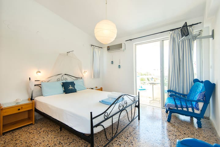 Romantic Studio with double bed! - Ialysos - Lejlighed