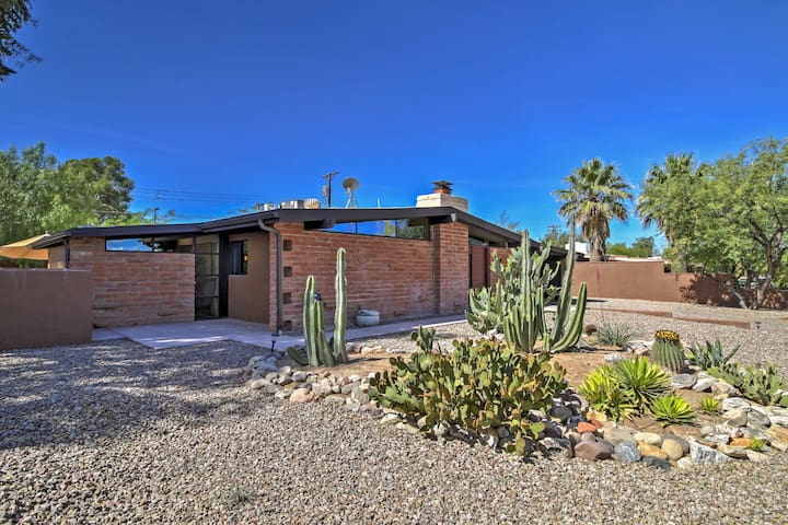 Tucson Home w/ Large Backyard < 9 Mi to Downtown!