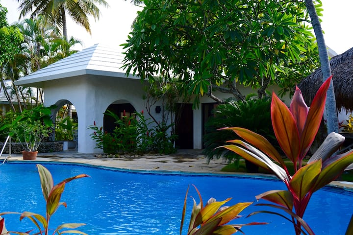 Amazing villa in beach residence !