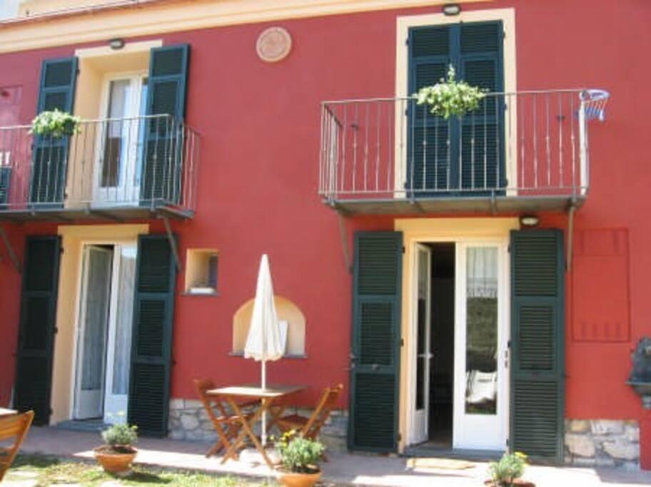 Casa Con Giardino Imperia : Casa con giardino a km dal mare houses for rent in
