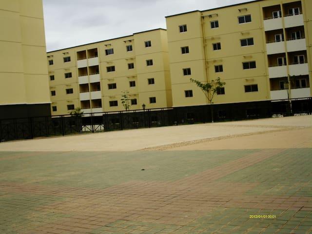 Experimenta hospitalidade da Africa - Luanda - Apartment
