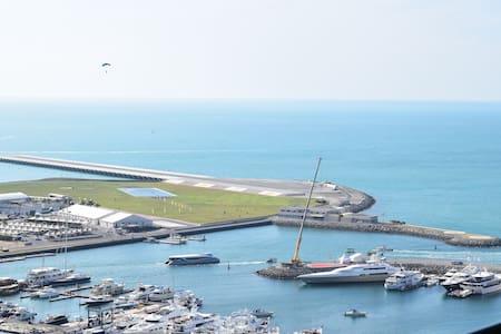 Luxury Dubai Marina Apartment - Dubai