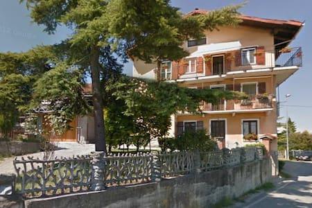 Stanza privata a Montaldo - Marentino - Lejlighed