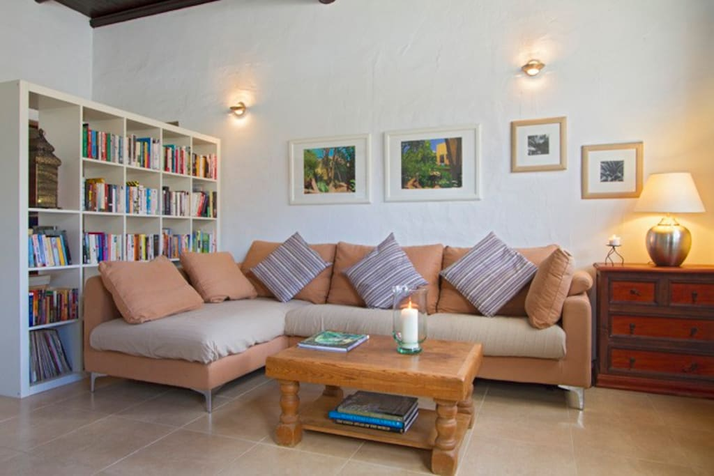 Lounge with large comfortable sofa, WiFi internet, TV and DVD player