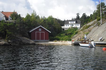 Flat in a house by the sea - Tvedestrand