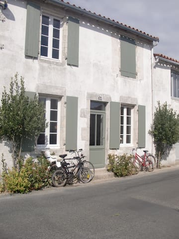 "village house to rent ""île de ré"" - Saint-Clément-des-Baleines - Hus"