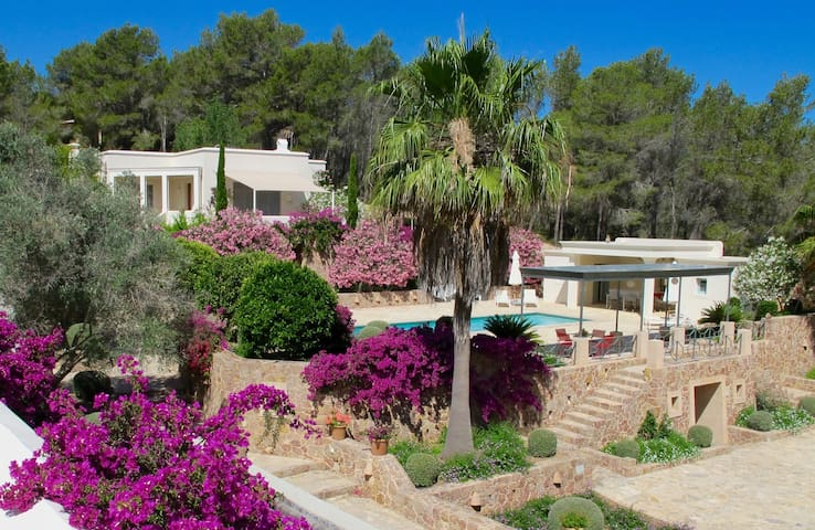 Elegant villa in paradise for 8 to 12 people - Sant Miquel de Balansat - Villa