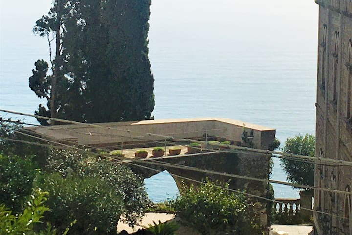 New! Taormina Historical Center - Sea View Suite