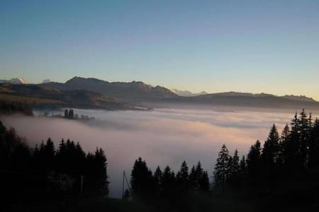 Emmental -Alpensicht, zw. Bern-Thun - Eggiwil - Daire