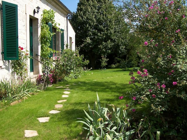 AUTRÊCHES in PICARDY - Autrêches - Bed & Breakfast