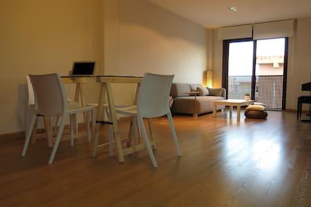 Cozy Loft&chill out!10minCitycenter - Rocafort - Apartment
