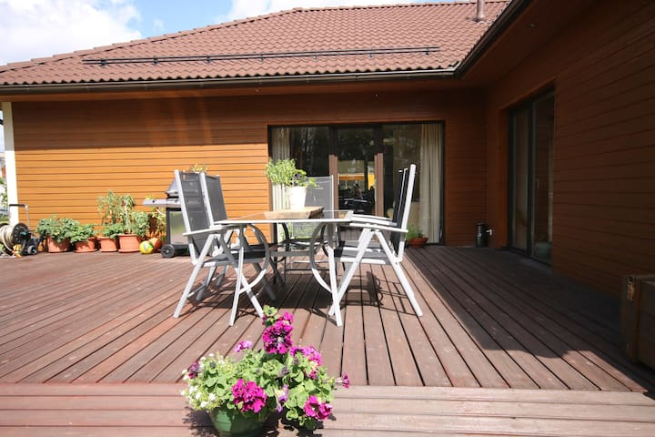 Peaceful and homely place, sauna, terrace, garden - Soinaste - Bed & Breakfast