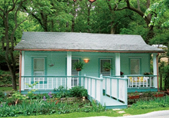 Leona's Cottage Historic District - Eureka Springs