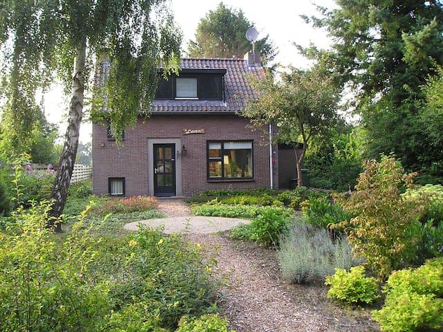 authentiek familiehuis bij het bos - Dwingeloo