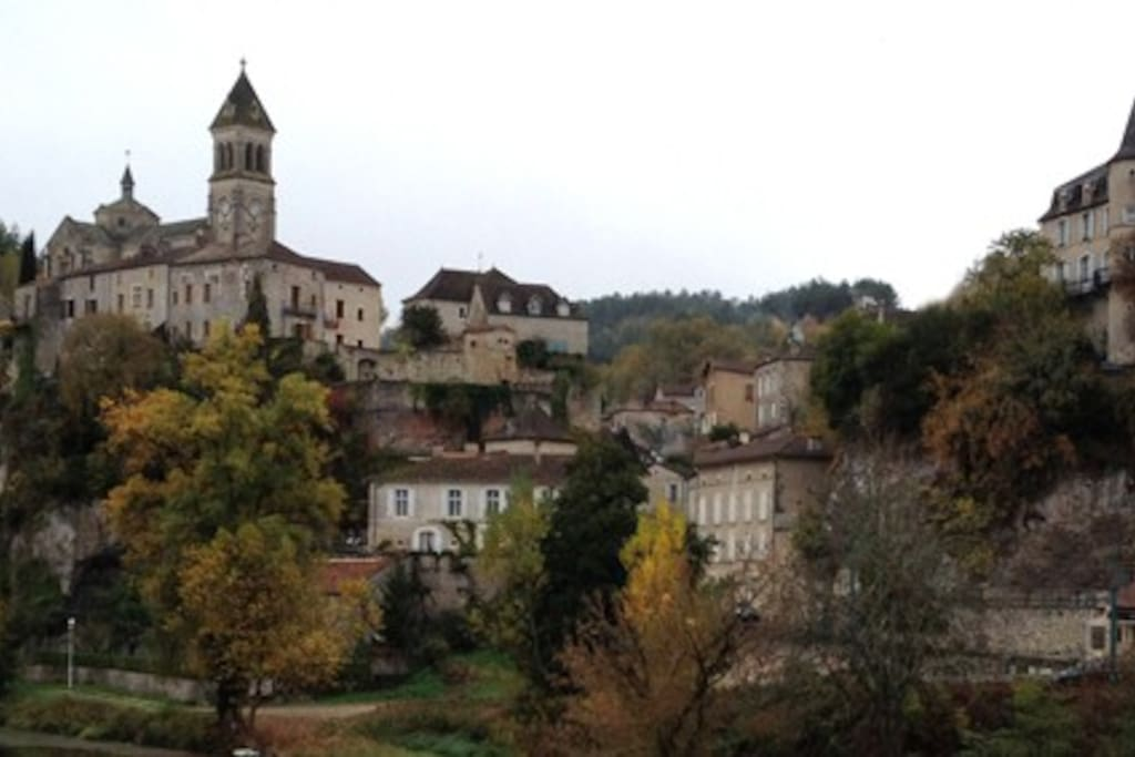 The village of Albas