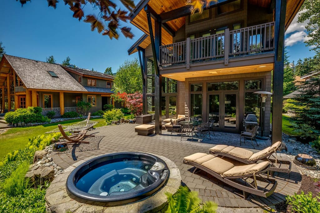 Hot-tub and outside living area