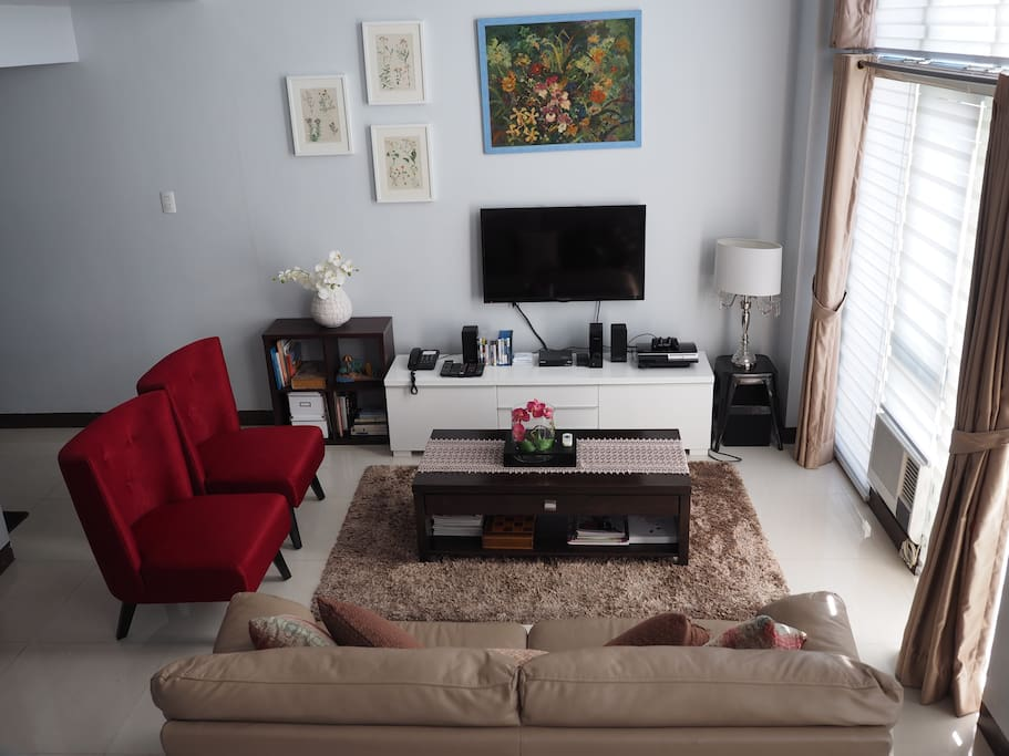 Large Living Room includes entertainment such as Wireless Internet, Cable TV, Sound System, Playstation 3 with Games and DVDs and Blu Ray Discs, Books, Magazines, A Chess Set and a landline phone (included are free local calls)