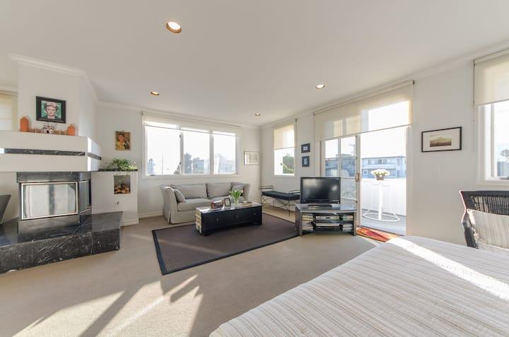 The Mountain Beach House Suite