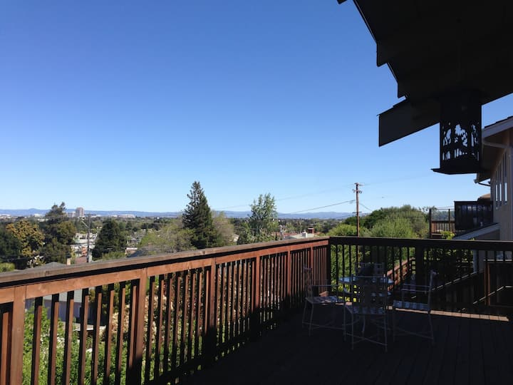 Private Room in Belmont (w/views)
