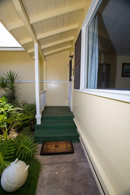 E Komo Mai (Welcome) to Grandpa's Beach House.