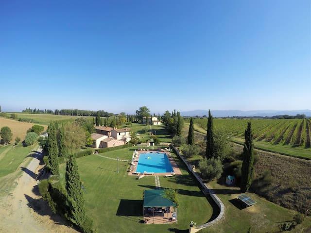 Toscana | Masia con piscina | Via della Stella